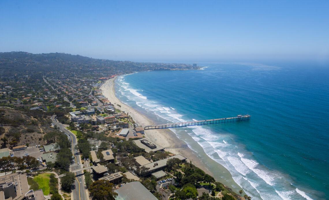 GPS News - Image of Scripps pier and ocean (La Jolla)